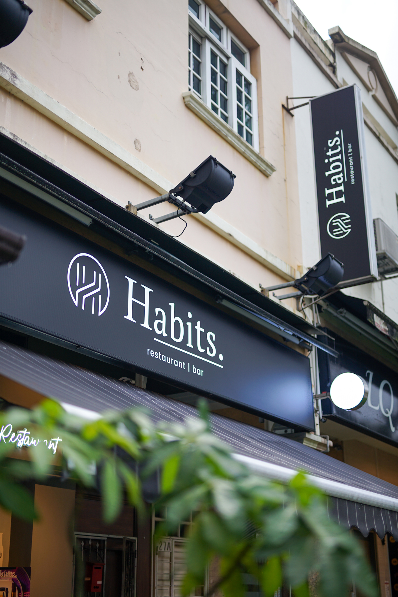 Habits Restaurant & Bar